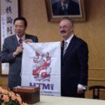 2013瑞士HTM與文化大學簽署姊妹校即贈旗儀式