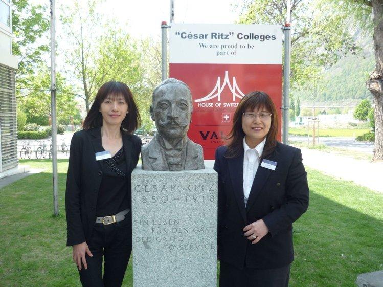 皆為瑞士凱撒里茲飯店管理大學校友的林肯企管公司總經理郭育伶(左)及執行長石英雀
