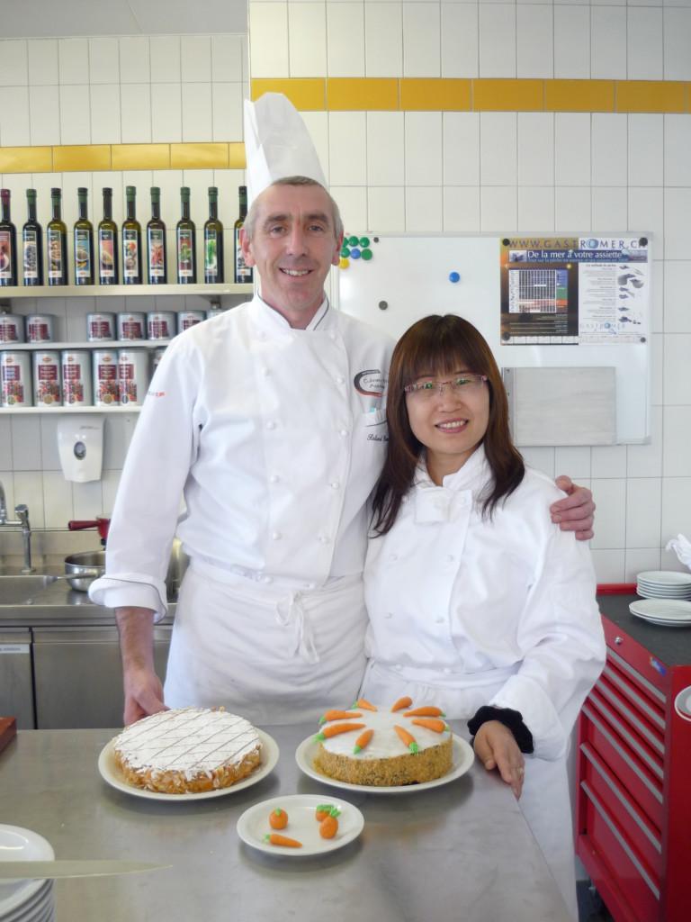 2011年-林肯企管Michelle在凱-撒-里茲飯店大學學習廚藝-768x1024